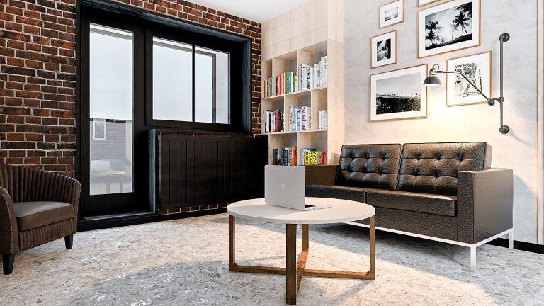 Дизайн однокомнатной квартиры в Гомеле, Гостиная - спальня в стиле лофт в квартире изображение 5, окна темные, журнальный столик икеа